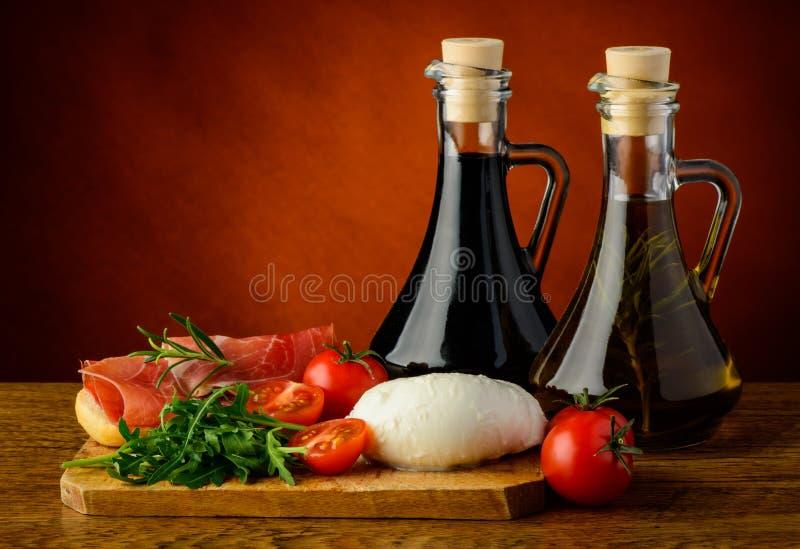 Mittelmeerlebensmittel lizenzfreies stockbild