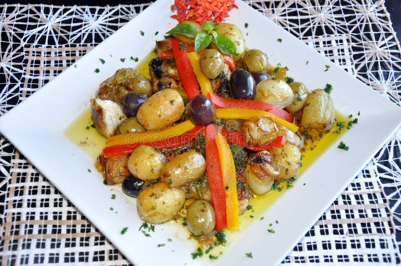 Mittelmeernahrung auf Platte stockfoto