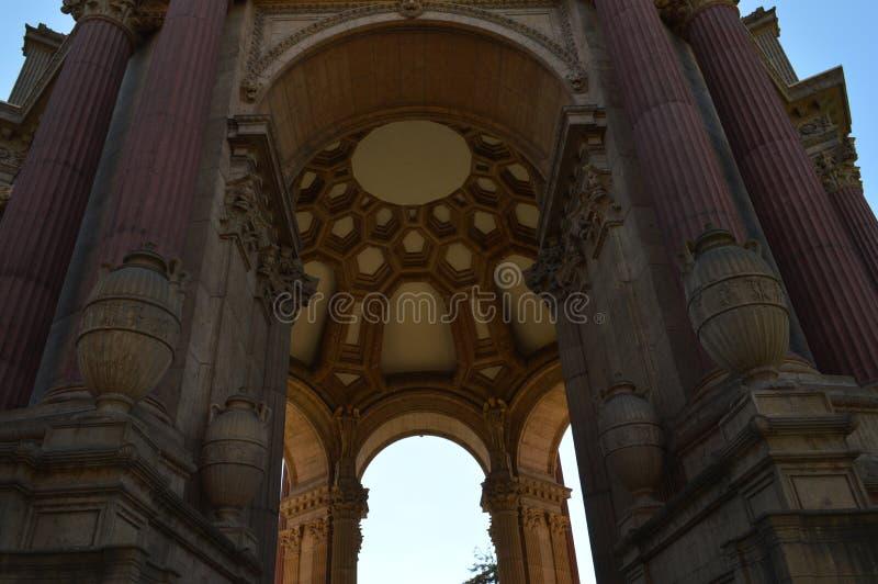 Mittelpavillon-Palast von schönen Künsten San Francisco stockfotografie