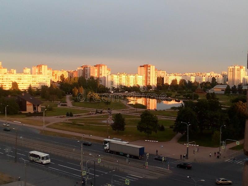 Mitternacht Stadt lizenzfreie stockbilder