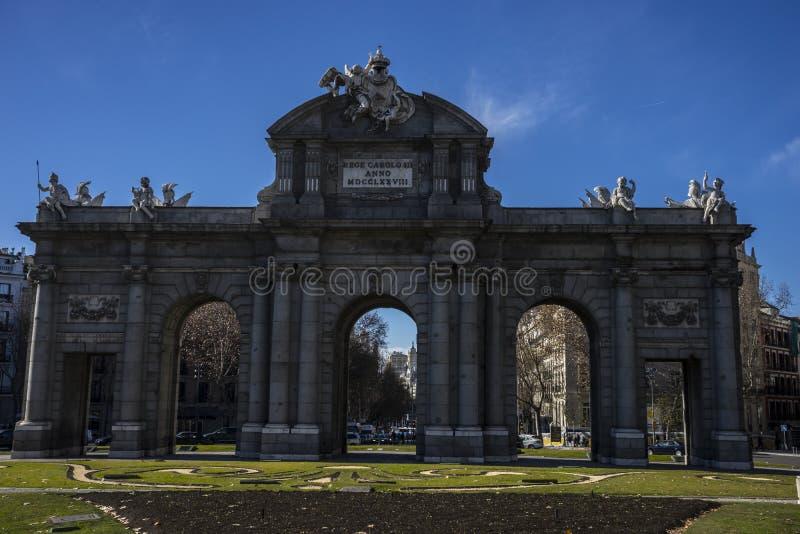 Mityczny alcala drzwi w kapitale Hiszpania, Madryt zdjęcie stock