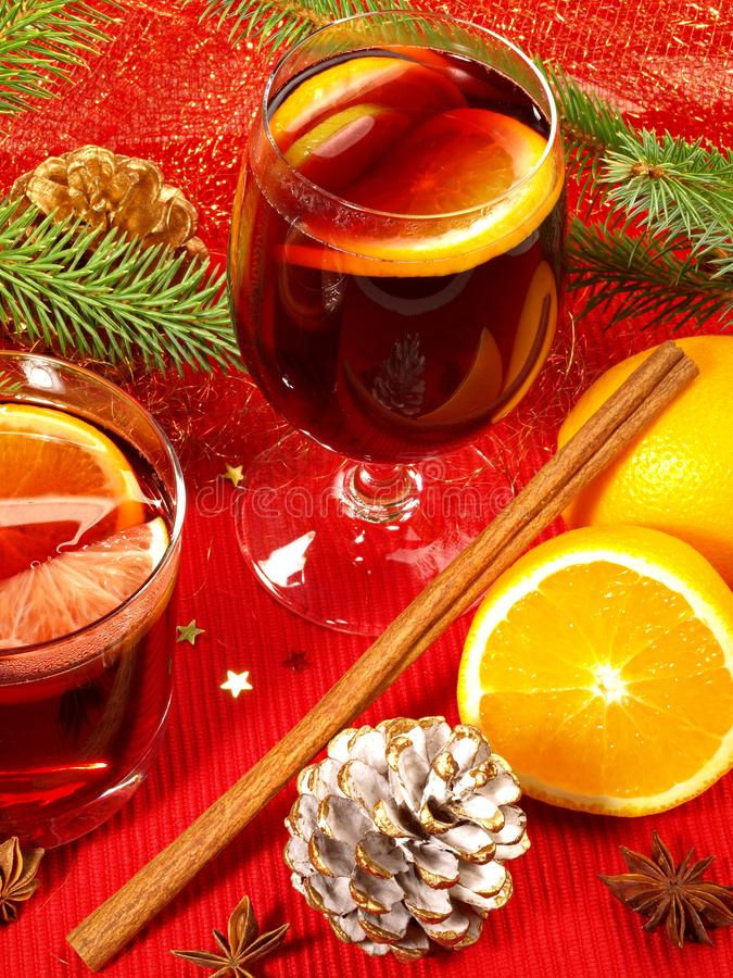 Miulled vin med kanelbrunt och orange fotografering för bildbyråer