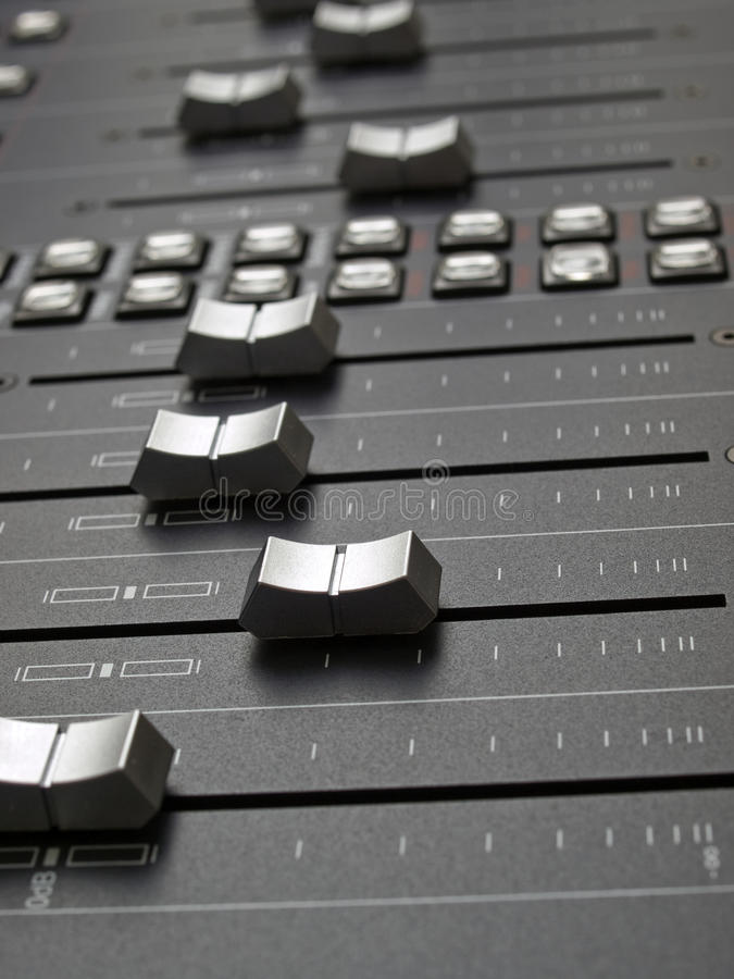 Free Mixing Desk Royalty Free Stock Images - 9858699