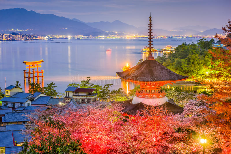 Miyajima, Giappone in primavera immagine stock libera da diritti