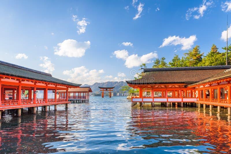 Miyajima, het drijvende heiligdom van Hiroshima, Japan royalty-vrije stock foto's