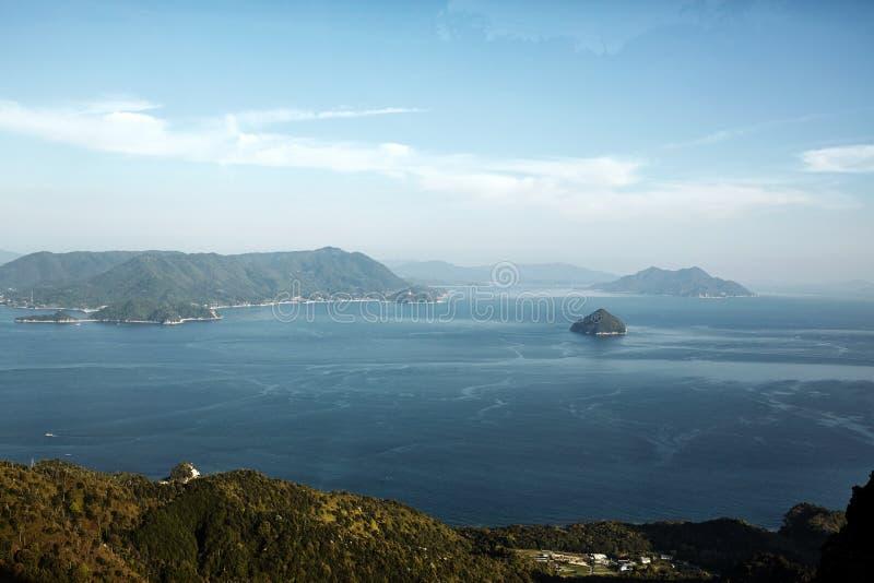 Miyajima, het landschap van Japan hierboven wordt bekeken die van royalty-vrije stock foto's