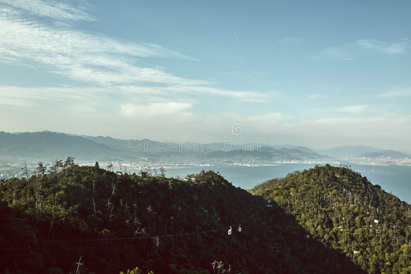 Miyajima, het landschap van Japan hierboven wordt bekeken die van royalty-vrije stock afbeeldingen
