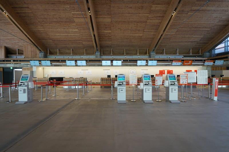 Miyako Shimojishima Airport Terminal-Abfertigungsschalter stockbild