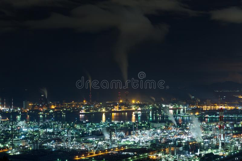 Mizushima kust industriezone in Japan bij nacht stock fotografie