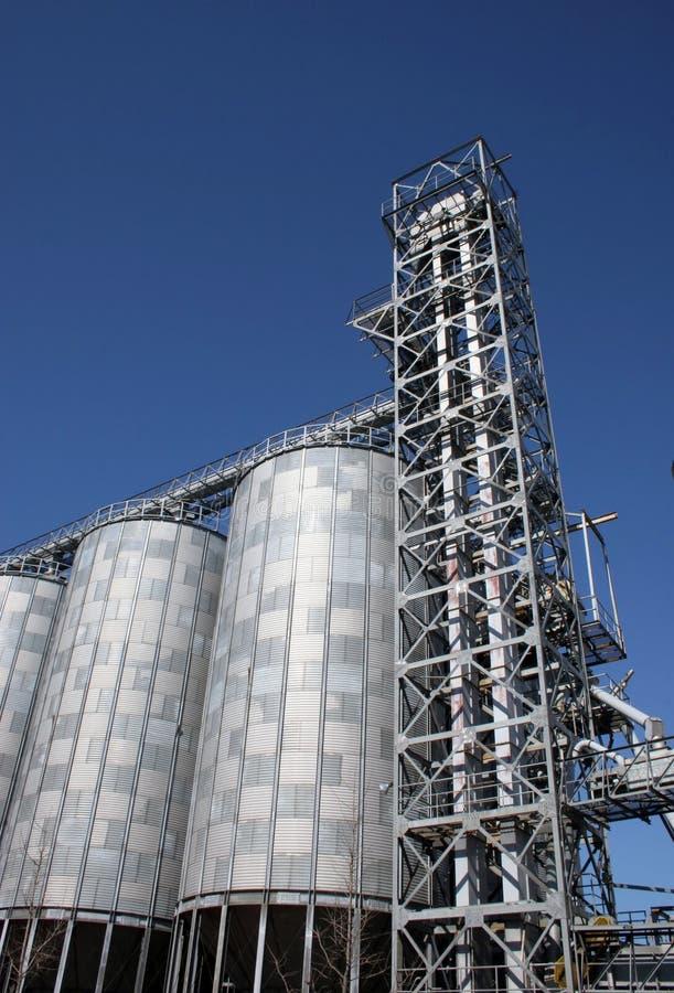 mjöl mal silos arkivfoto