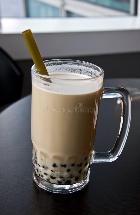mjölka pärlemorfärg tea royaltyfri fotografi
