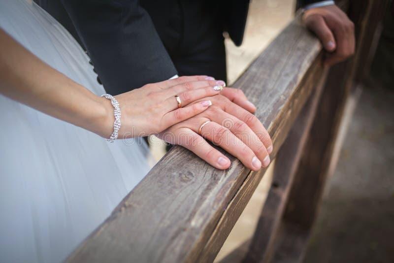 Mjuka nygifta personer arkivbild