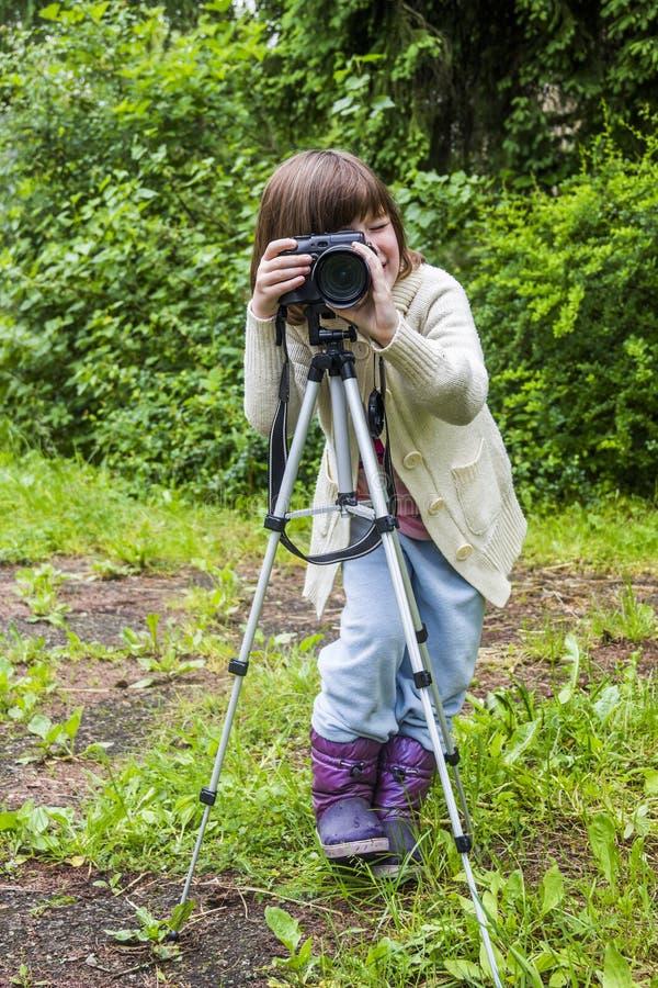 Mknąca mała dziewczynka fotografia royalty free