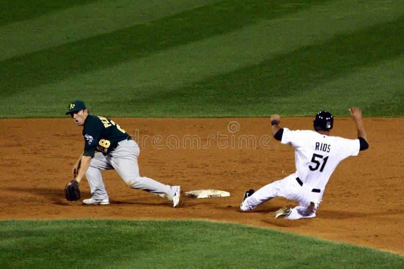 MLB - Rios neemt tweede basis! stock fotografie