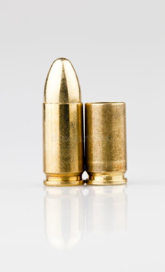9mm子弹和壳 库存照片
