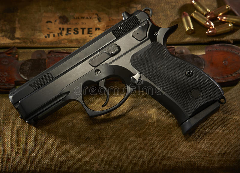 9mm pistolet obrazy stock