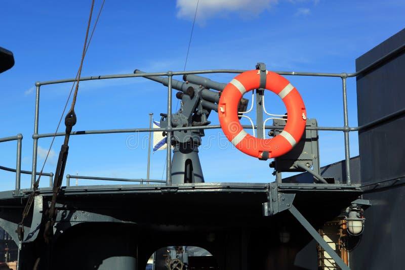 76 mm przeciwlotniczego pistoletu systemu Lander na krążownik zorzie, St Petersburg zdjęcie stock
