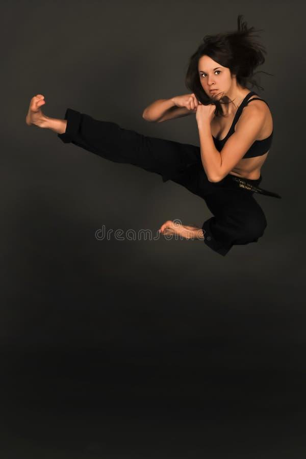 MMA weiblicher Mischkriegskünstler. stockbilder