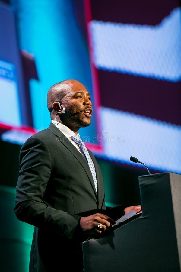 Mmusi Maimane ledaren av DAEN demokratiska Alliance royaltyfri foto