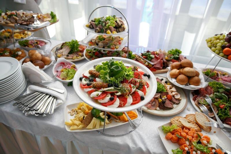 Mnóstwo przekąski na wydarzenie cateringu zdjęcia royalty free