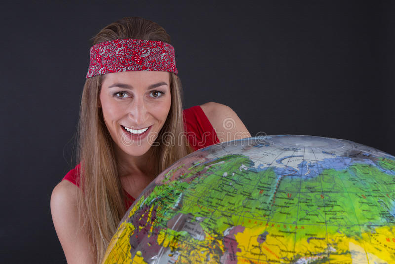 Moça com globo fotos de stock royalty free