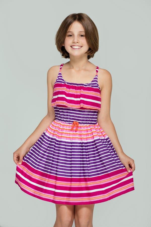 Moça que levanta no vestido elegante fotos de stock royalty free