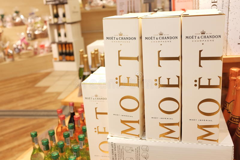 Moët Chandon Champagne. Moet Chandon Champagner in a store with copy space to the left stock photography