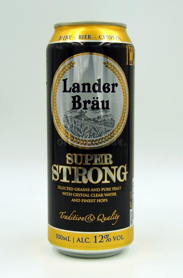 Może Lander Bräu Super Silny piwo zdjęcia royalty free