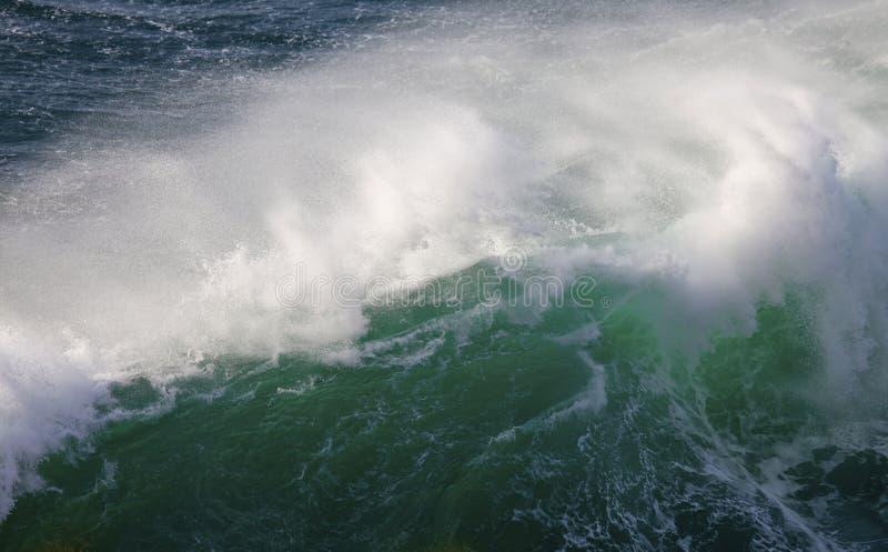Możne fala Atlantycki ocean zdjęcie stock