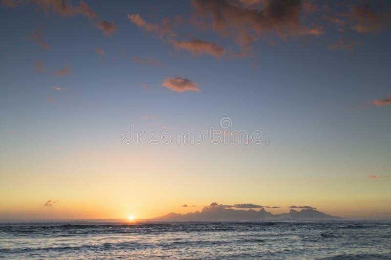 Mo'orea al tramonto, Polinesia francese fotografia stock