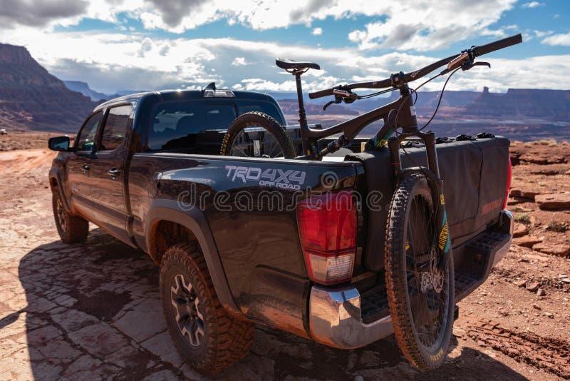 3/21/19 Moab, Utah Toyota 2017 Tacoma, welches die backroads von Moab, Utah erforscht lizenzfreies stockbild