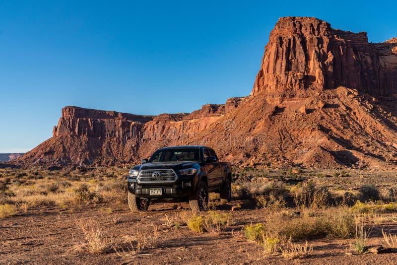 Moab, Utah USA 10/14/2019 Toyota Tacoma Exploring Near Canyonlands stock foto's