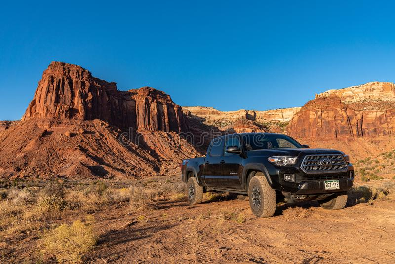 Moab, Utah USA 10/14/2019 Toyota Tacoma Exploring Near Canyonlands royalty-vrije stock fotografie