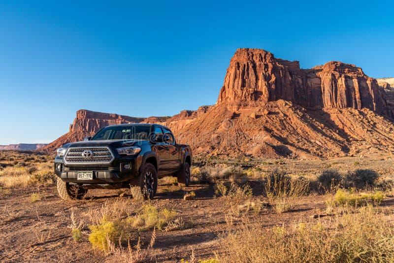 Moab, Utah USA 10/14/2019 Toyota Tacoma Exploring Near Canyonlands royalty-vrije stock afbeeldingen