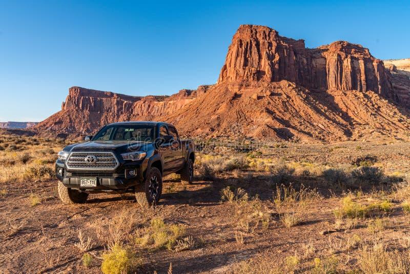 Moab, Utah USA 10/14/2019 Toyota Tacoma Exploring Near Canyonlands royalty-vrije stock afbeelding