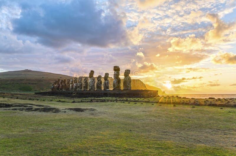 Moai Ahu Tongariki, Ilha de Páscoa, o Chile fotos de stock