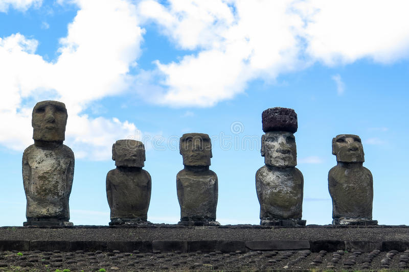 MOAI IN DER OSTERINSEL, CHILE lizenzfreie stockfotos