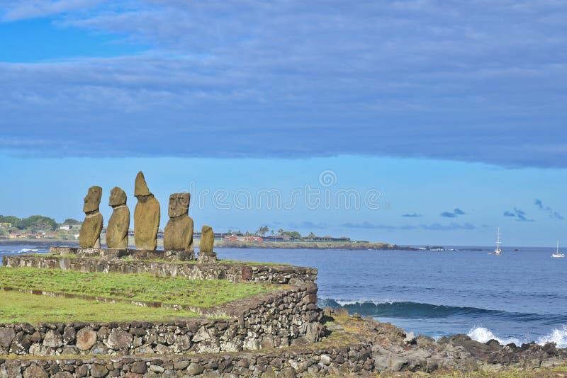Moai - statues humaines monolithiques (Chili) photographie stock