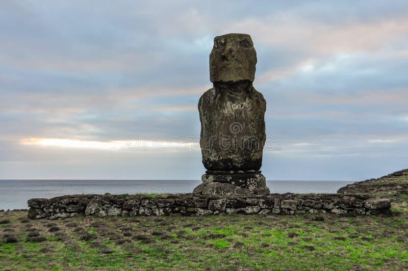 Moai staty på påskön, Chile arkivbilder