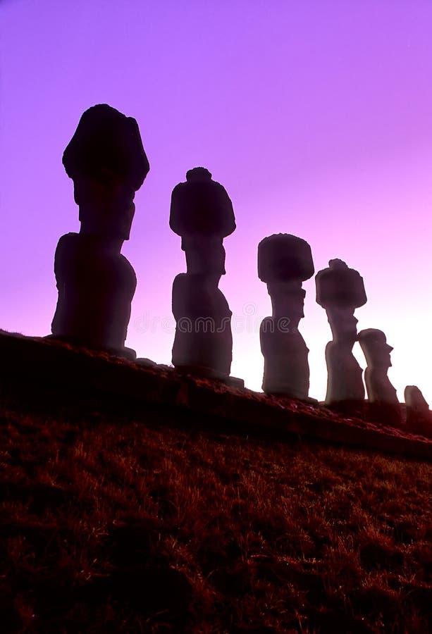 Download Moais острова пасхи стоковое фото. изображение насчитывающей чили - 486298