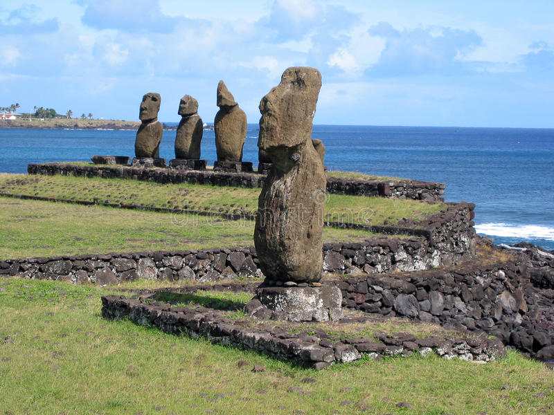 Moais de la isla de pascua foto de archivo libre de regalías