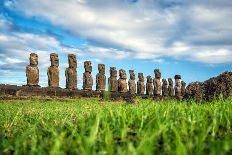 Moais på Ahu Tongariki i påskön royaltyfria bilder