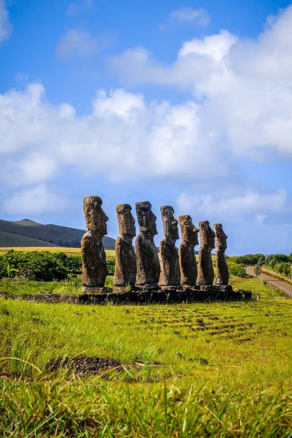 Moaisstandbeelden, ahu Akivi, Pasen-eiland royalty-vrije stock foto