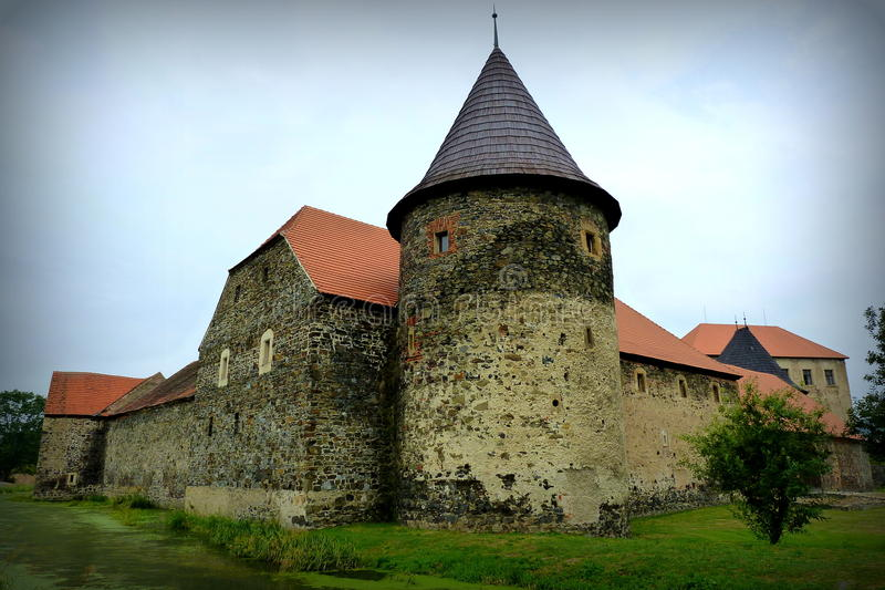 Moated城堡Åvihov 库存图片