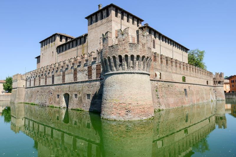 Moated kasteel van Rocco Santivale in Fontanellato dichtbij Parma stock foto's