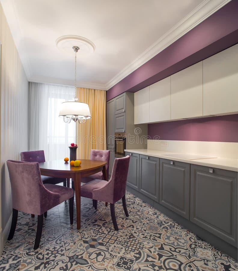 Mobília interior da cozinha de Minimalistic foto de stock