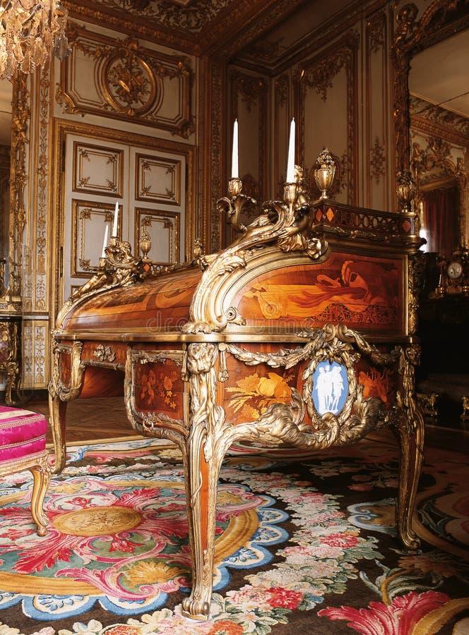 Mobília no palácio de Versalhes, França fotografia de stock royalty free