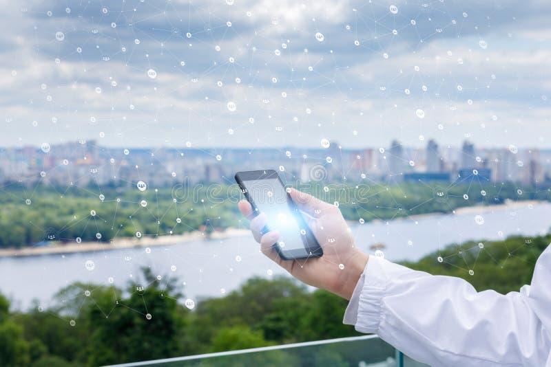 Mobiel ter beschikking in het netwerk royalty-vrije stock foto's