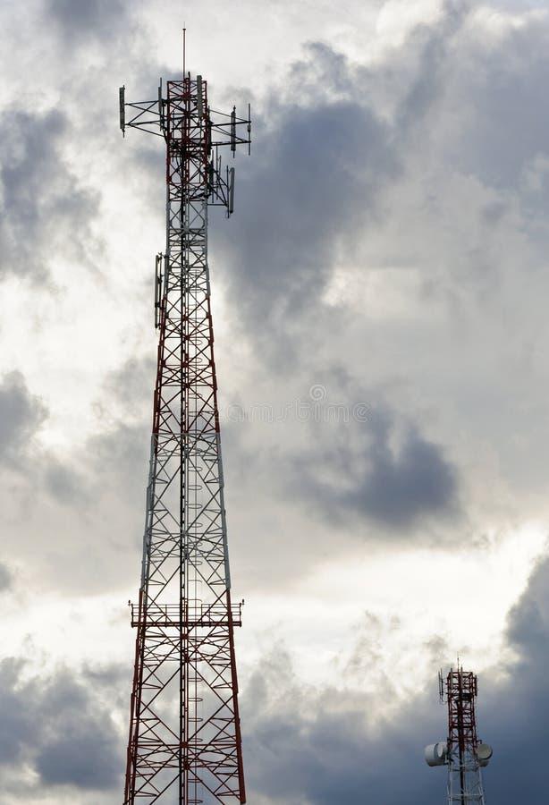 Mobiele antennetoren royalty-vrije stock fotografie