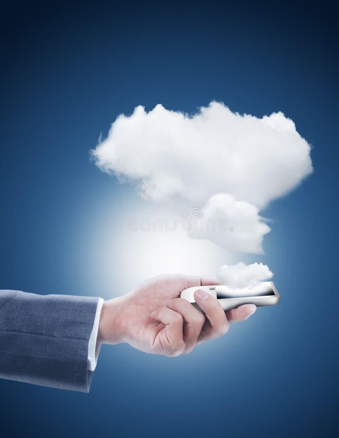 Mobiele telefoon met wolk gegevensverwerking stock foto's